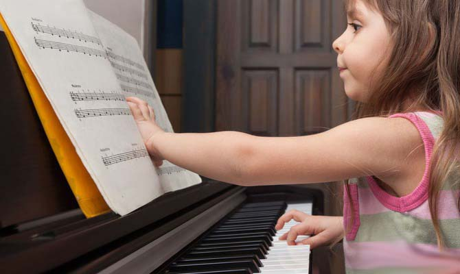 Когда отдавать ребенка в музыкальную школу